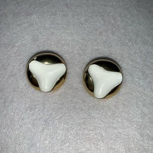 Monet clip on earrings